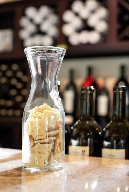 obelisco-cracker-jar