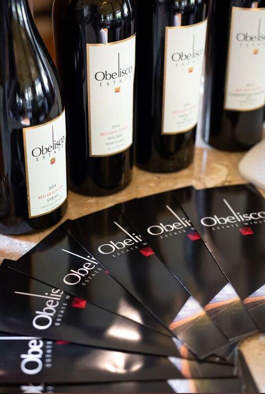 obelisco-wine-bottles-business-cards